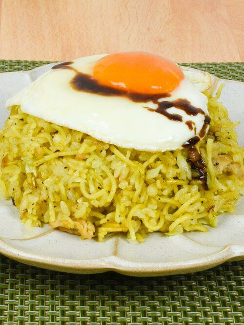Curry soba meshi - a mixed dish of yakisoba and fried rice with a sunny side up eggs using Signature Curry Yakisoba
