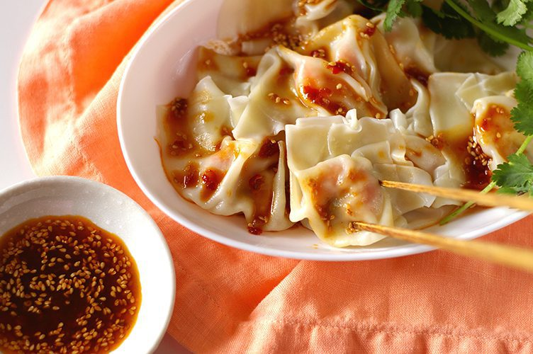 Shrimp Pork Wontons with Sauce
